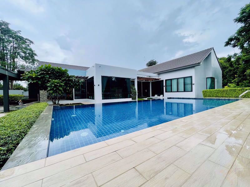 Picture of Private House for Sale in Chaiyapruek
