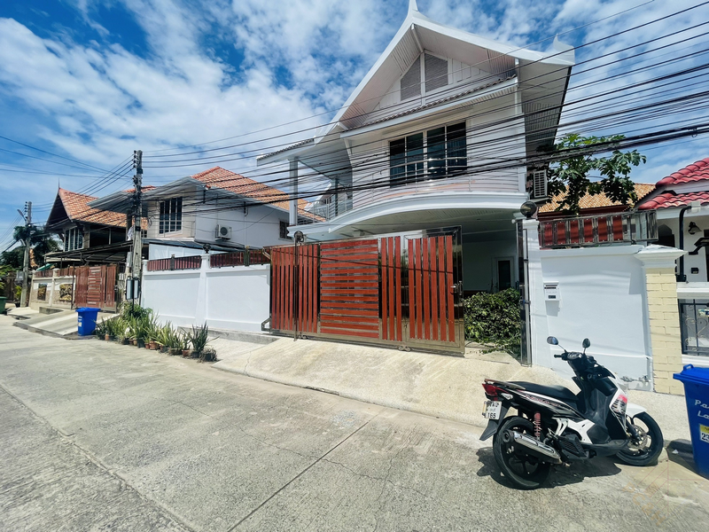 Picture of Pattaya Lagoon, 5 bedrooms house for Rent in Jomtien.